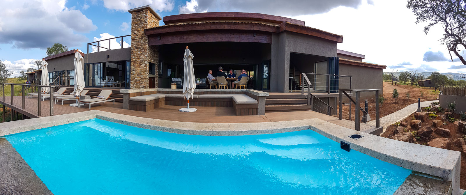 Pool och lodge