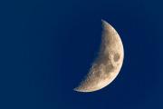Halvmåne i blåa timmen