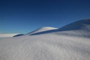 Böljande snölandskap